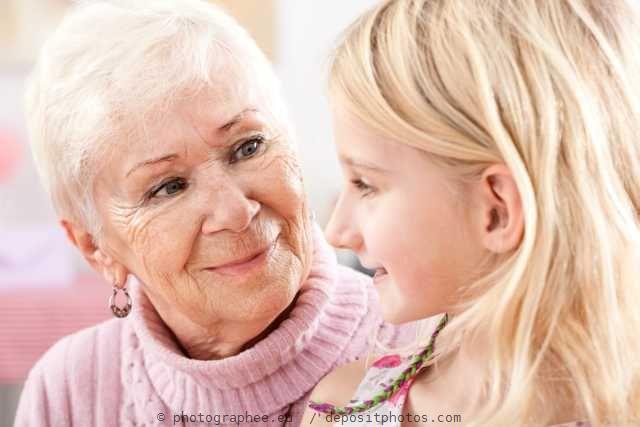 Das kleine Mädchen und die alte Frau